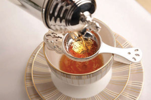 afternoon-tea-heritage-chinaware-and-tea-strainer